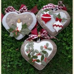 Christmas Crafts For Gifts, Christmas Ornaments To Make, Christmas Sewing, Christmas Makes, Christmas Fabric, Felt Ornaments, All Things Christmas, Felt Tree, Xmas Decorations