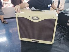 # Peavey Classic 30/112-Tweed 30 watt Guitar Amp USA mint condition. please retweet
