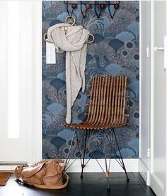 Repost from who has the wallpaper Mårdgömma in the hallway Hallway Wallpaper, Home Wallpaper, Free Wallpaper Samples, Hallway Colours, Upstairs Hallway, Cole And Son, Blue Wallpapers, Butterfly Chair, Interior Inspiration
