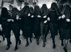 Holy Saturday, Puglia, Italy, 2000 by Cristina Garcia Rodero. Group of women marching on the streets and singing their grief at the death of Christ Magnum Photos, Michel Leiris, Spanish Festivals, Fotografia Social, Holy Saturday, Religion, Famous Photos, Photographer Portfolio, Robert Capa
