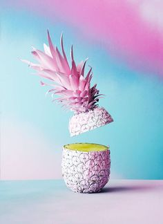 Colorful Fruit Fantasy Compositions – Fubiz Media Artist Dewey Saunders was associated with the photographer Andre Rucker to create and photograph his latest creation entitled Pineapple Winter. Cute Wallpapers, Wallpaper Backgrounds, Iphone Wallpapers, Iphone Pics, Still Life Photography, Art Photography, Art Minimaliste, Fruit Painting, Painting Art