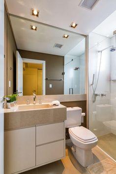 Banheiro pequeno e moderno