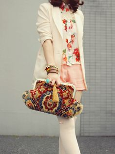 Vintage carpet bag. Brilliant pattern. Accessorize with care, or be overwhelmed.