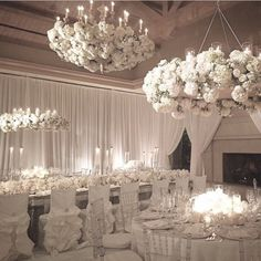 Looking for inspiration for a winter white wedding? Look no further than @whitelilacinc at @pelicanhillresort #WhiteLilacInc #PelicanHillResort #whitewedding #decor