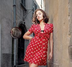 A brunette in polka dots?  I'm in love with Gwen Stefani here