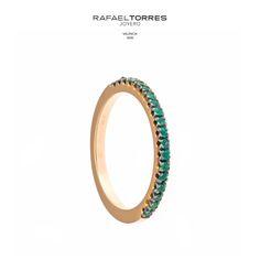 El color verde profundo de la #esmeralda simboliza el amor, la fe, la paciencia, la buena suerte y la juventud.