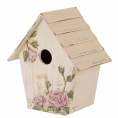 When it comes to birds, avid watchers know that you can never have too many bird houses in your yard. Birds appreciate these items during the nesting and migration seasons, which can just about cover the entire year in some areas. Birdhouse Craft, Birdhouse Designs, Bird Houses Painted, Bird Houses Diy, House Painting, Painting On Wood, Wood Crafts, Diy And Crafts, Decoupage