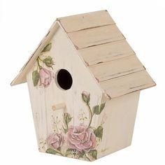 .Sweet little birdhouse