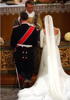 The wedding ceremony; wedding of Crown Prince Haakon of Norway and ms. Mette-Marit Tjessem Høiby, August 25th 2001