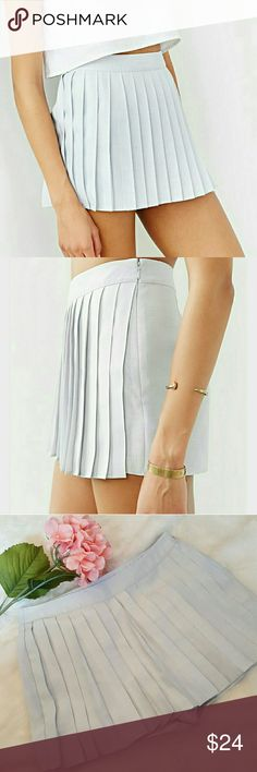 UO Silence and Noise Pleaded Skort NWOT Side Zipper pleaded skort Urban Outfitters Shorts Skorts