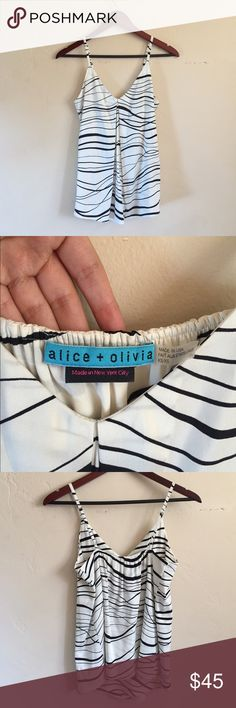 Alice + Olivia Silk Tank In great gently used condition. Has adjustable straps Alice + Olivia Tops Tank Tops