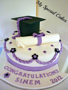 Graduation Cake - you can make this for me mum! Tarta Queso Oreo, Fondant Cakes, Cupcake Cakes, School Cupcakes, Cakes Sydney, Cake Wallpaper, Bithday Cake, Cake Board, Just Cakes