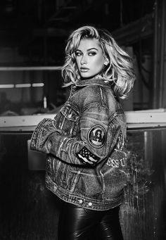 heliy baldwin campaign ad | Hailey Baldwin bares skin and curves for the Guess 35th Anniversary ...