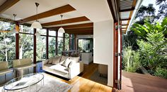 Storrs Road Residence by Tim Stewart Architects Environmentally Conscious I Australian Home Built Using Reclaimed Wood via Freshome Architecture Durable, Architecture Résidentielle, Sustainable Architecture, Sustainable Style, Australian Architecture, Sustainable Living, Sunshine Coast, Australian Homes, Design Moderne