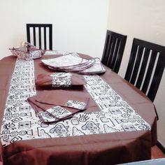 Offrez-vous l'originalité Unepenseepourtoi  #nappe  table #accessoires #poisakan #kente #africanprint #home #Gift #idéecadeau #decoration intérieur #bright colors #unepenséepourtoi #art  #set #serviettes de rable #tabledecor  #africanfashion #clothdinner  #pagnes #africaninspired  #interiordesign #handmade #corbeille à pain ou à fruit #basket #africans #print #abidjanplaces  #cotedivoire
