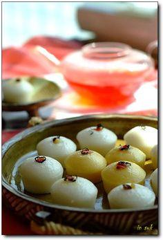 Made with makgeolli (막걸리, Korean rice-wine). Korean Rice Cake, Korean Sweets, Korean Dessert, Korean Street Food, Korean Food, Asian Desserts, Asian Recipes, K Food, Food Porn