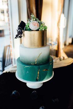 Stunning Inspiration For A Romantic Winter Wedding Pretty Wedding Cakes, Unique Wedding Cakes, Wedding Tips, Summer Wedding, Winter Wonderland Theme, Winter Wedding Inspiration, Color Schemes, Brides, Romantic