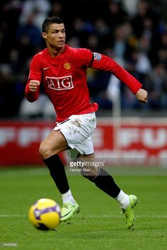 Cristiano Ronaldo of Manchester United runs for the ball during the Barclays Premier League match between Bolton Wanderers and Manchester United at the Reebok stadium on January 2009 in Bolton, England. Cristiano Ronaldo Celebration, Cristiano Ronaldo Manchester, Cristiano Ronaldo Junior, Cristiano Ronaldo Wallpapers, Cristano Ronaldo, Ronaldo Football, Cristiano Ronaldo Cr7, Best Football Players, Soccer Players