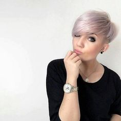 *** What do you Ladies think of this Super Modern short hairstyles for We found extremely beautiful, and you know? Cool Haircuts, Cool Hairstyles, Hairstyles 2018, Short Hair Cuts For Women, Short Hair Styles, Wavy Hair, New Hair, Modern Short Hairstyles, Hair Doo