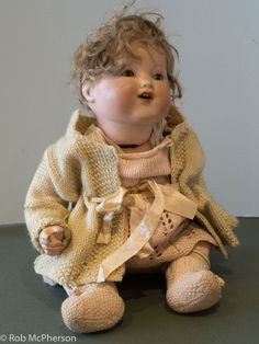 """Vintage Armand & Marseille Doll 352/4k FOR SALE • EUR 85,88 • See Photos! Money Back Guarantee. A 14"""" doll in nice condition. Only damage i can see is a missing finger. Full knitted clothing. Hard body (not fabric). Label on the back of the neck AM 152513054102"""