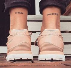 Risultati immagini per tatuagem de tornozeleira