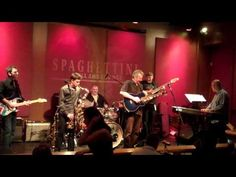 ▶ Who's That Lady - Vincent Ingala with Peter White (Smooth Jazz Family) - YouTube
