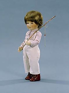 """Tad. : 17"""" molded felt, fully jointed. Date of Release: 1981-84. Series I, Ltd. Ed. 250."""