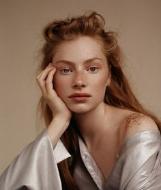 "arutai: ""Laura Gwyneth Butler by Anya Holdstock "" Feine Sommersprossen - Natural Makeup Blue Photography Poses, Amazing Photography, Fashion Photography, Photography Magazine, Beautiful Woman Photography, Woman Portrait Photography, Landscape Photography, Female Photography, Photography Outfits"