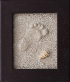 how to make foot prints in the sand and keep it. this is too awesome!! Take frame, glass side down and pour in sand. Have child make a deep print. Mix plaster with a cup water and pour over sand. Let sit one hour. Remove from frame and clean out sand. Re-frame to reveal the raised print!