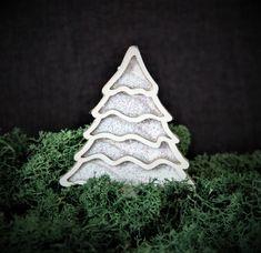 Chipboard shakerbox christmas tree Chipboard, Christmas Tree, Box, Crafts, Products, Teal Christmas Tree, Snare Drum, Manualidades, Xmas Trees