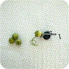 zeil 1,20x3m wit met lichtgroene stippen MixMamas, tafelzeil, Spaanse schoenen…