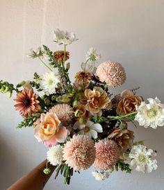 Floral Wedding, Wedding Bouquets, Wedding Flowers, Flowers Nature, Beautiful Flowers, Flower Farmer, Flower Aesthetic, Intimate Weddings, Floral Arrangements