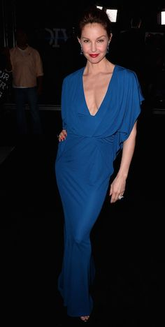 Kate Winslet & Ashley Judd Are 'Divergent' Women in L.: Photo Kate Winslet is a red hot mama while attending the premiere of her highly anticipated movie Divergent held at Regency Bruin Theatre on Tuesday (March in Los…