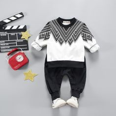 99367b1de9 Sporty Outfit Set Cool Kids Clothes, Cute Baby Clothes, Sports Baby, Baby  Boy