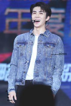 Sehun - 160409 16th Top Chinese Music Awards Credit: Beat Per Minute. (第十六届音乐风云榜年度盛典)