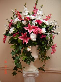 36 Fresh Flower Arrangement Designs In Church Tulpen Arrangements, Flower Arrangement Designs, Artificial Flower Arrangements, Beautiful Flower Arrangements, Wedding Flower Arrangements, Floral Centerpieces, Beautiful Flowers, Wedding Flowers, Silk Arrangements