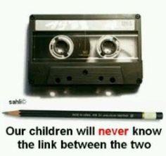 A ver niños... Que tienen en comun un lapiz carbon y un cassette?