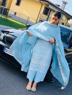 Best Trendy Outfits Part 26 Punjabi Suits Party Wear, Party Wear Indian Dresses, Punjabi Salwar Suits, Dress Indian Style, Indian Outfits, Patiala Suit, Indian Wear, Punjabi Suits Designer Boutique, Indian Designer Suits