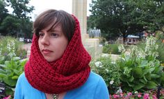 Free pattern for an easy-knit cowl in Lion Brand Thick 'n Quick