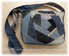 Amazing crazy quilt style bag from recycled jeans Denim Scraps, Diy Purse, Unique Bags, Denim Bag, Texans, Dory, Gym Bag, Recycling, Backpacks