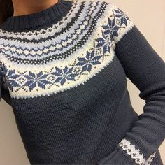 Bilderesultat for nancykofte Fair Isle Knitting Patterns, Fair Isle Pattern, Knit Patterns, Norwegian Knitting, Icelandic Sweaters, Nordic Sweater, How To Purl Knit, Christmas Knitting, Winter Sweaters