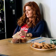 NBC - The Mysteries of Laura - Laura Diamond (Debra Messing) Best Series, Tv Series, Debra Messing, Will And Grace, Newest Tv Shows, Romantic Movies, Diamond Are A Girls Best Friend, Cravings, Mystery