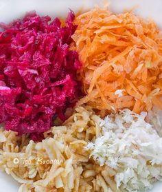preparare salata de cruditati Cold Vegetable Salads, Cabbage, Vegan Recipes, Food And Drink, Vegetables, Loosing Weight, Side Plates, Vegane Rezepte, Veggies