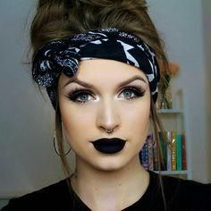 Best Of The Best Makeup Ideas In This year. Beste der besten Make-up-Ideen in diesem Jahr. Beauty Make-up, Fashion Beauty, Beauty Hacks, Hair Beauty, Goth Makeup, Hair Makeup, Black Lipstick Makeup, Black Liquid Lipstick, Black Makeup