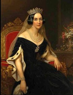 he first image of the Queen Josephine Tiara appears in a portrait of Queen Josphine, nee Leuctenberg or de Beauharnais, wife of Oscar I of Sweden. Portrait by Axel Nordgren. http://en.wikipedia.org/wiki/Josephine_of_Leuchtenberg