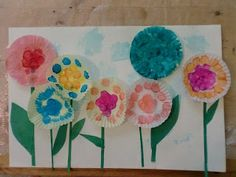 The Adventures of Bear: Cupcake Liner Flowers (and reading before 3)