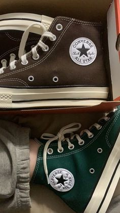 Converse Verte, Mode Converse, Converse Hightops, Adrette Outfits, Trendy Outfits, Fashion Outfits, High Top Sneakers, Shoes Sneakers, Sneaker Heels
