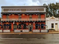 Avoca Hotel, Avoca, Victoria. Photo: Scott Seymour. More pubs: www.timegents.com #timegents #australianpubs #aussiepubs #oldaussiepubs #victorianpubs Banks Building, Beautiful Buildings, Small Towns, Sydney, Favorite Things, Hotels, Victoria, Australia, Mansions