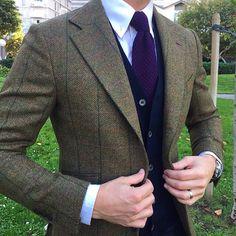 Style by @derekbleazard wearing tweed by @beckettrobb || MNSWR style inspiration || www.MNSWR.com