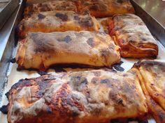 La scàccia è un piatto tipico della zona degli Iblei e se vi doveste recare dalle parti di Ragusa e senz'altro qualcosa da dover assaggi